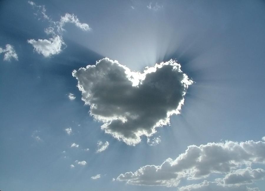 Hoy He Visto Un Corazón En El Cielo
